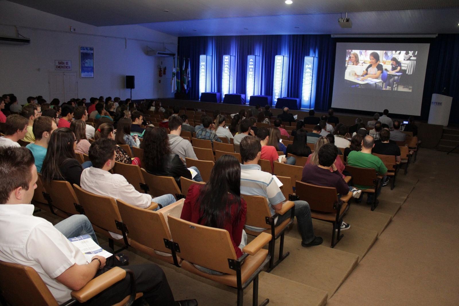 Profissionais internacionais palestram na Semana de Administração da UNIFEBE