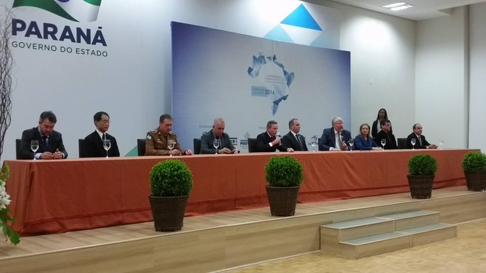 Professor e acadêmico participam de congresso de Redução de Riscos de Desastres