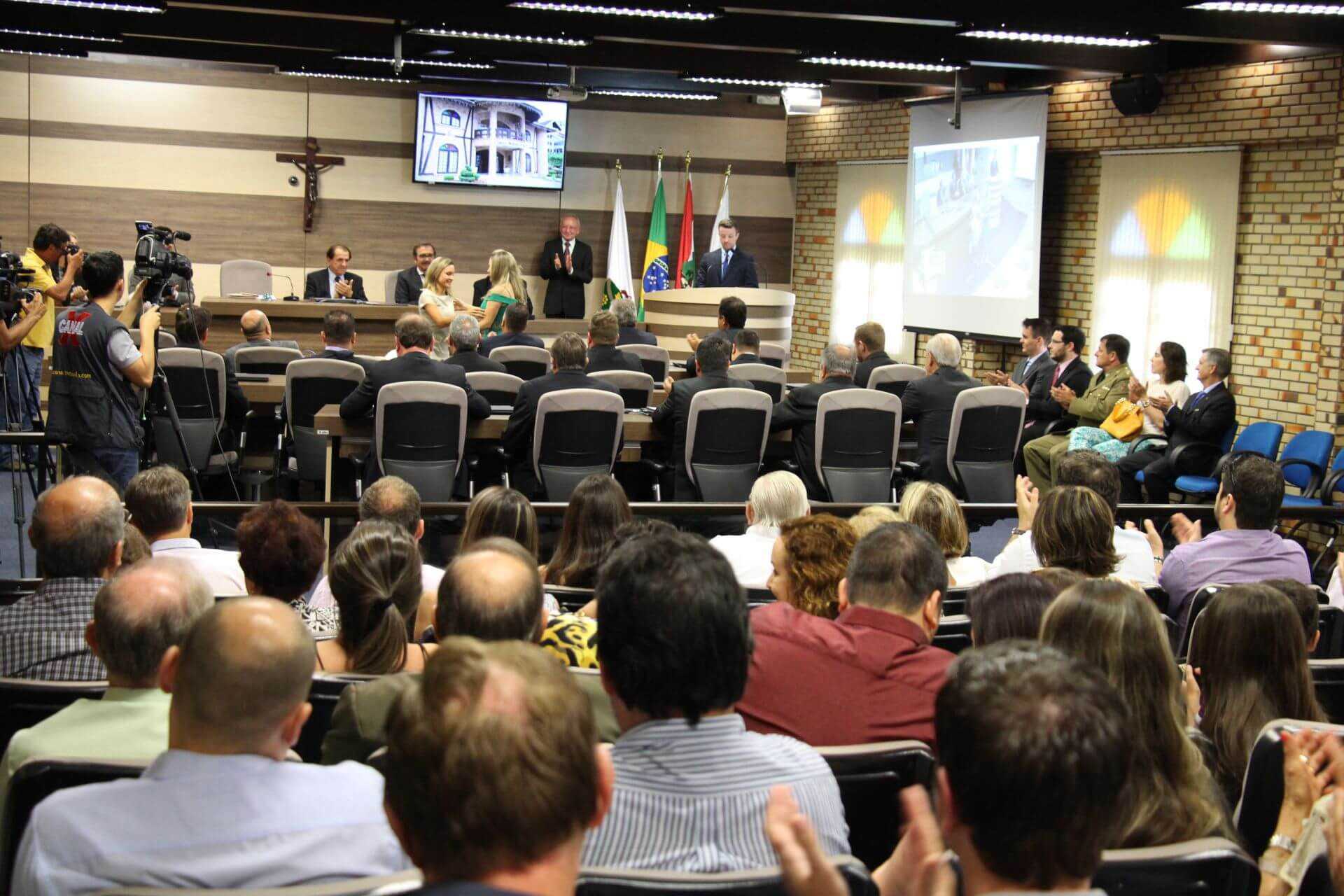 Reitor prestigia diplomação dos novos eleitos na Câmara