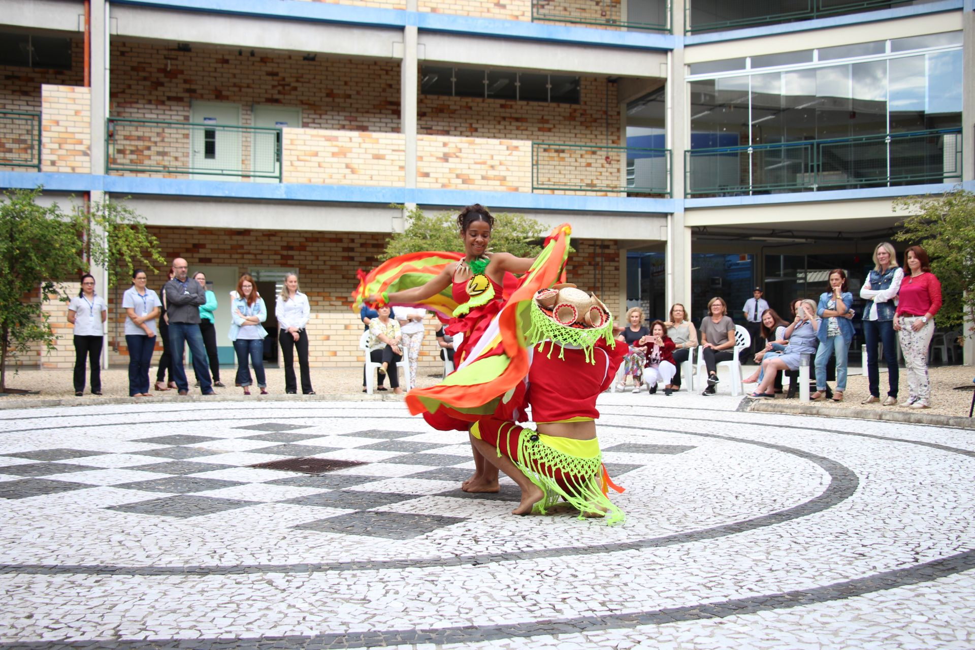 Intervenção cultural marca Dia Mundial da Dança