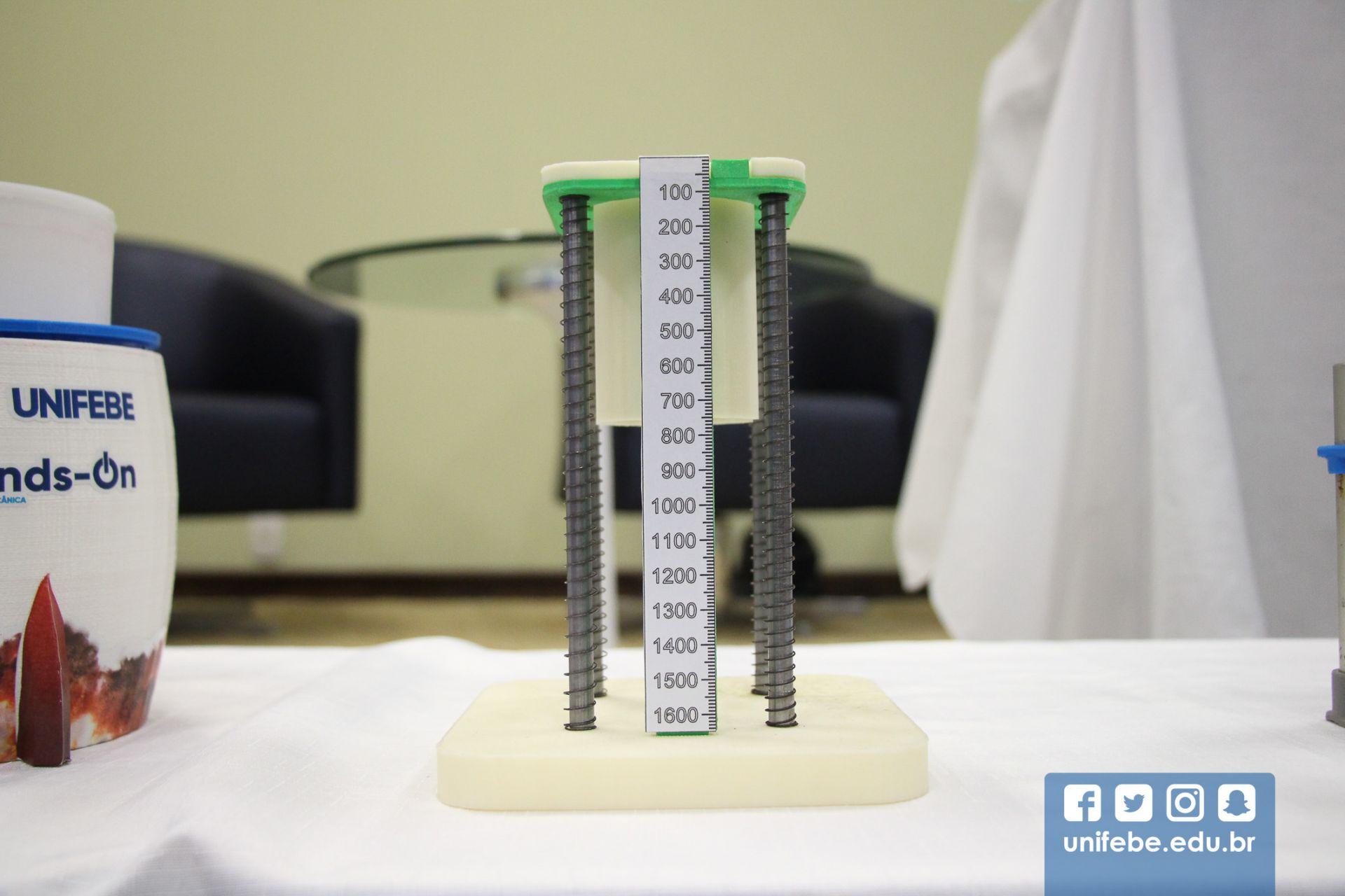 Empresa de tecnologia documenta projeto do laboratório de impressão 3D