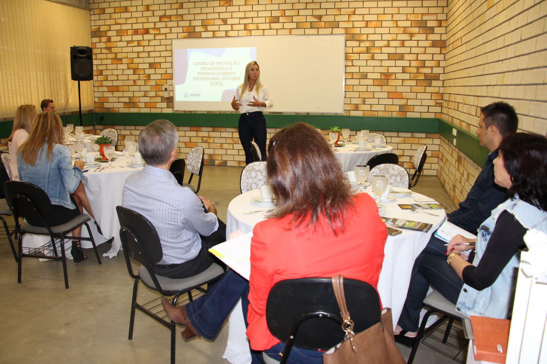 UNIFEBE reúne secretários de educação municipais
