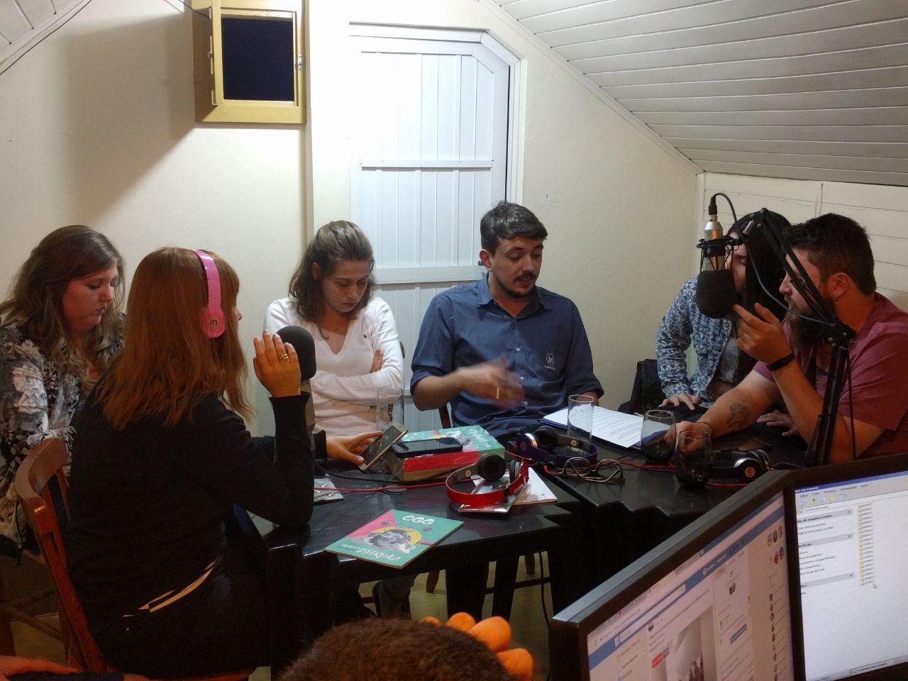 Acadêmicos produzem programa de rádio sobre empreendedorismo
