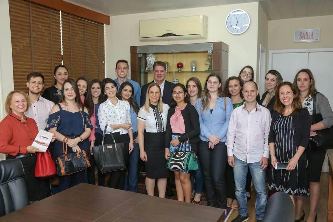 Acadêmicos de Direito visitam OAB-SC