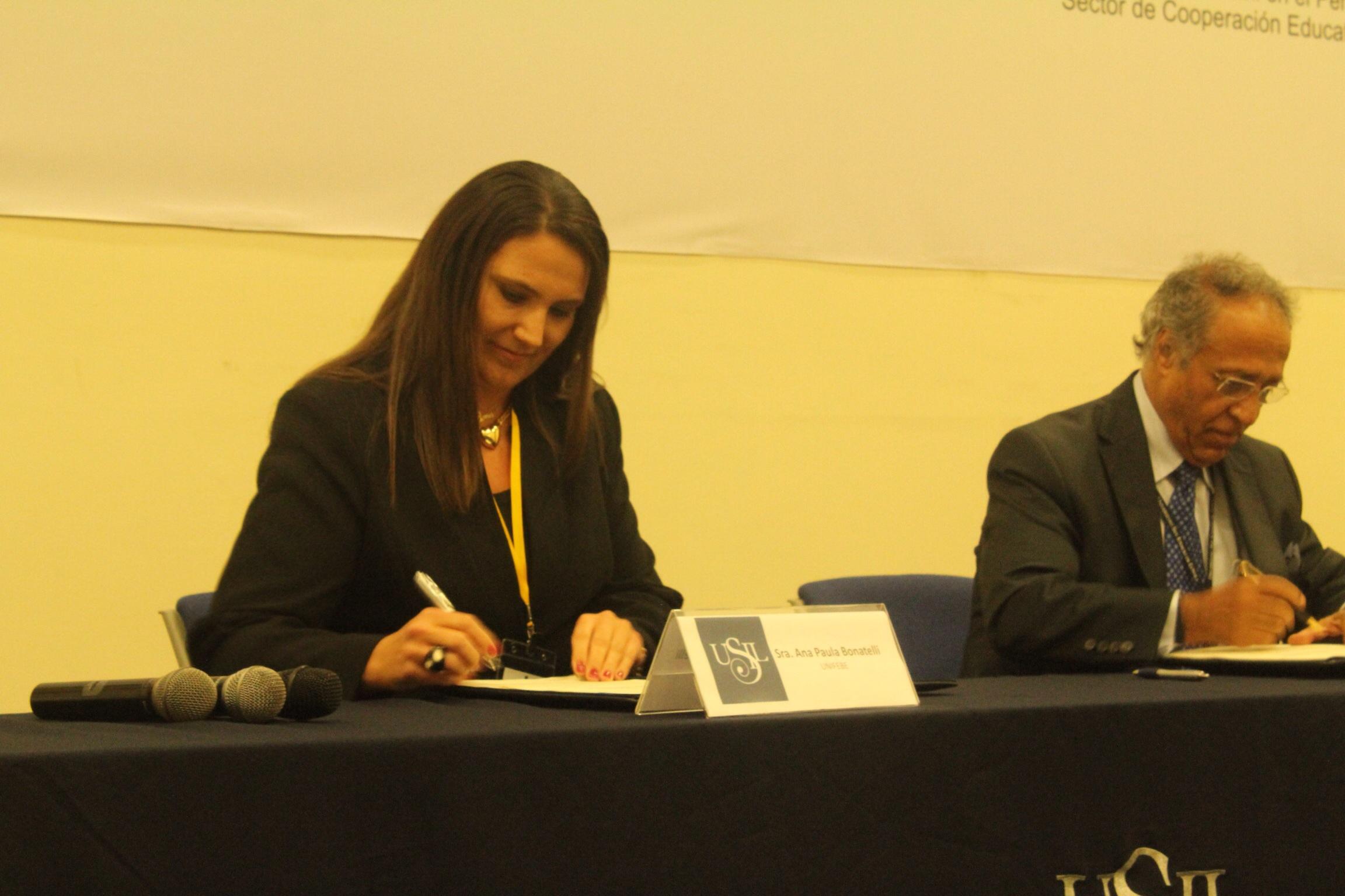 UNIFEBE estreita laços com universidades internacionais com assinatura de convênios