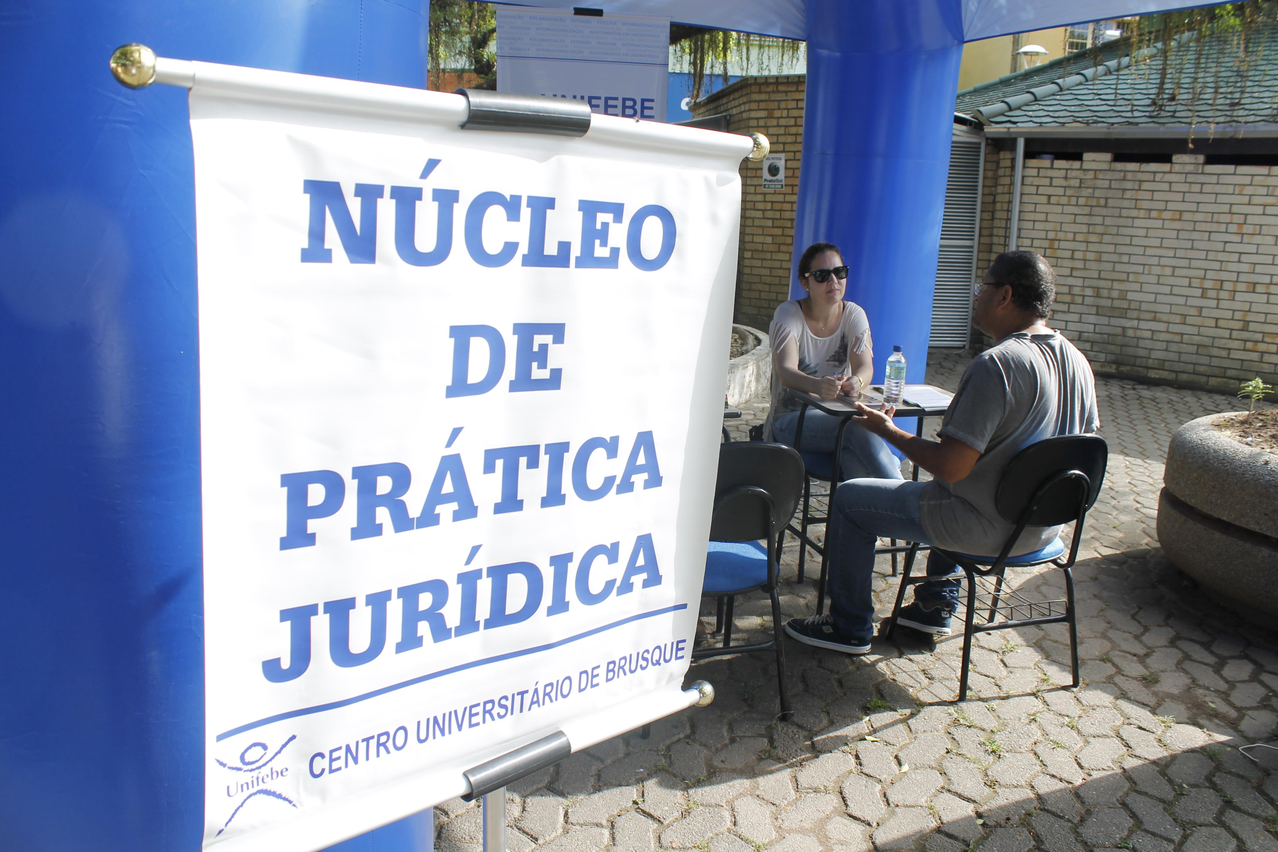 Núcleo de Prática Jurídica participa de atividade no Dia da Mulher