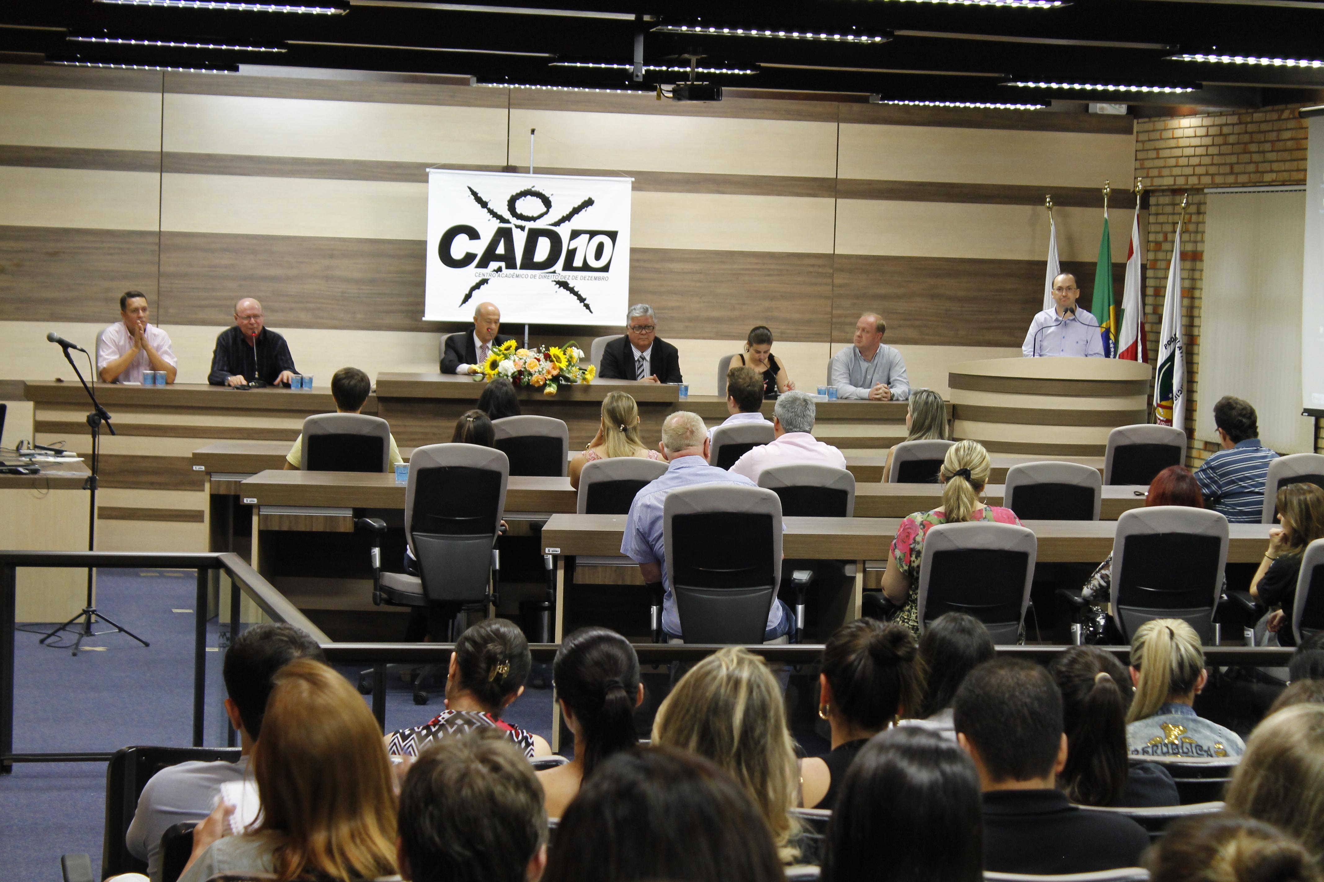 Acadêmicos participam de Seminário Jurídico sobre Violência na Infância e Adolescência