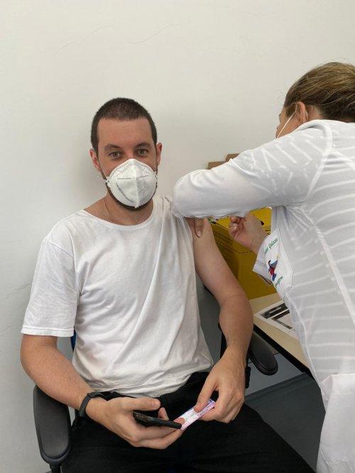 Acadêmicos de Medicina da UNIFEBE são vacinados para atuar nas Unidades Básicas de Saúde