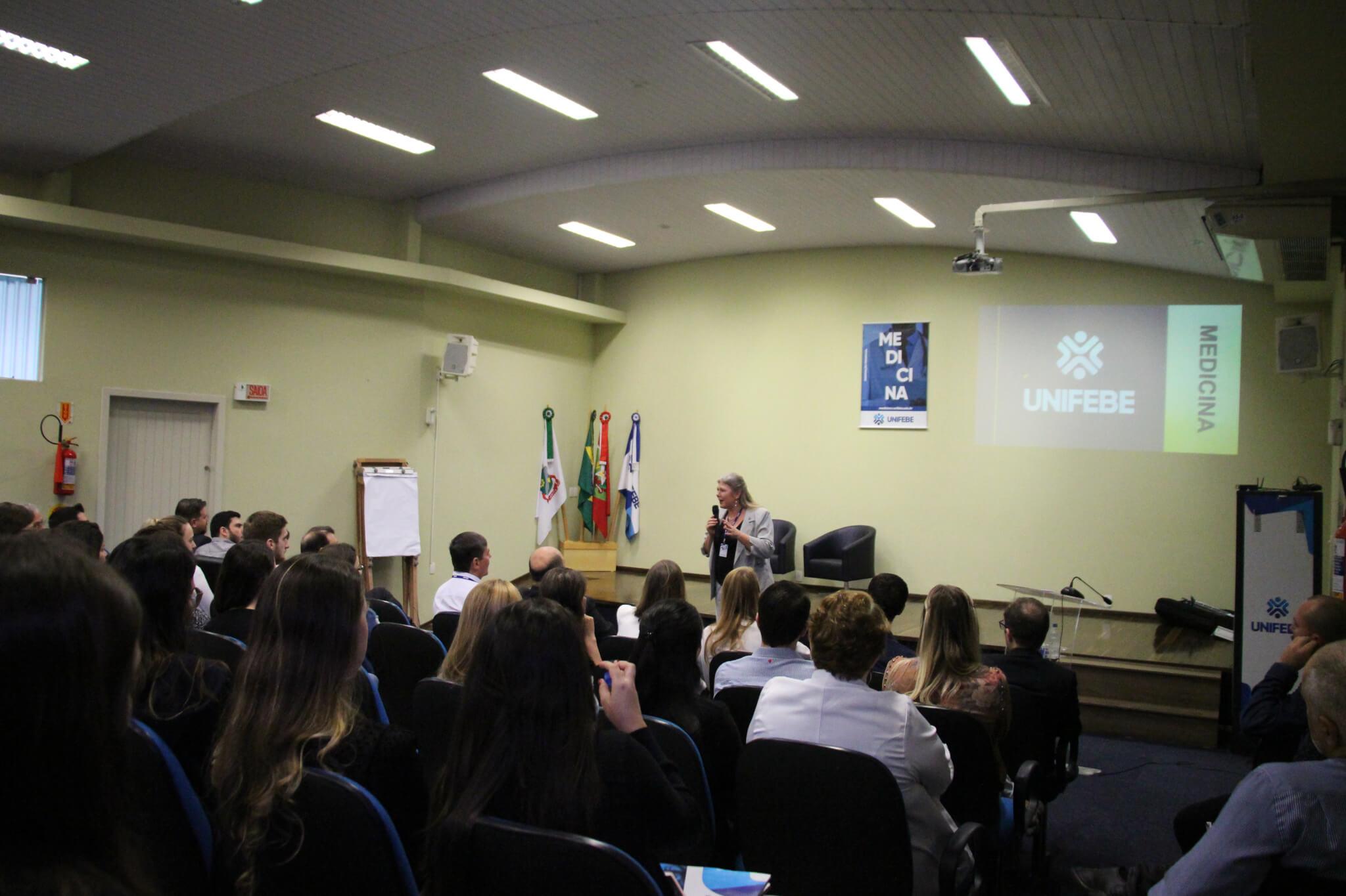 Acadêmicos de Medicina participam de Seminário de Integração com médicos da rede municipal