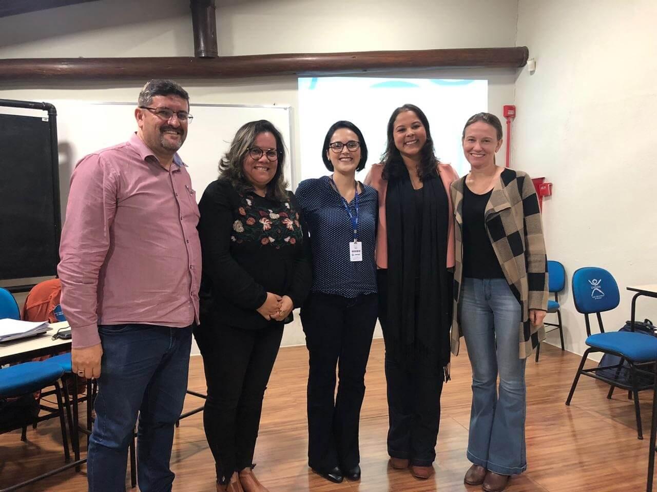 Acadêmicos de Psicologia participam de encontro sobre Mediação Familiar