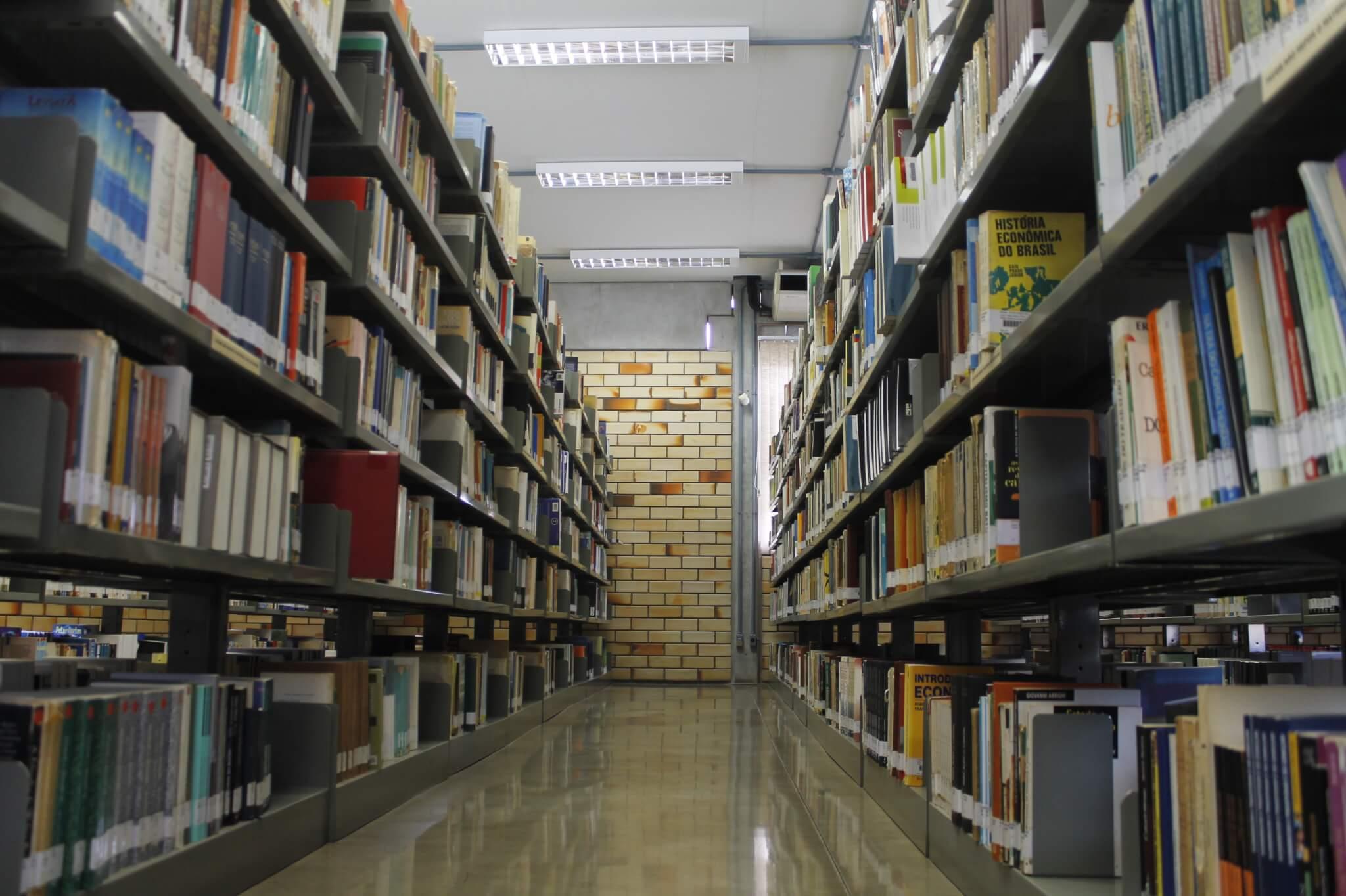 Livros em atraso durante dias de paralisação serão regularizados