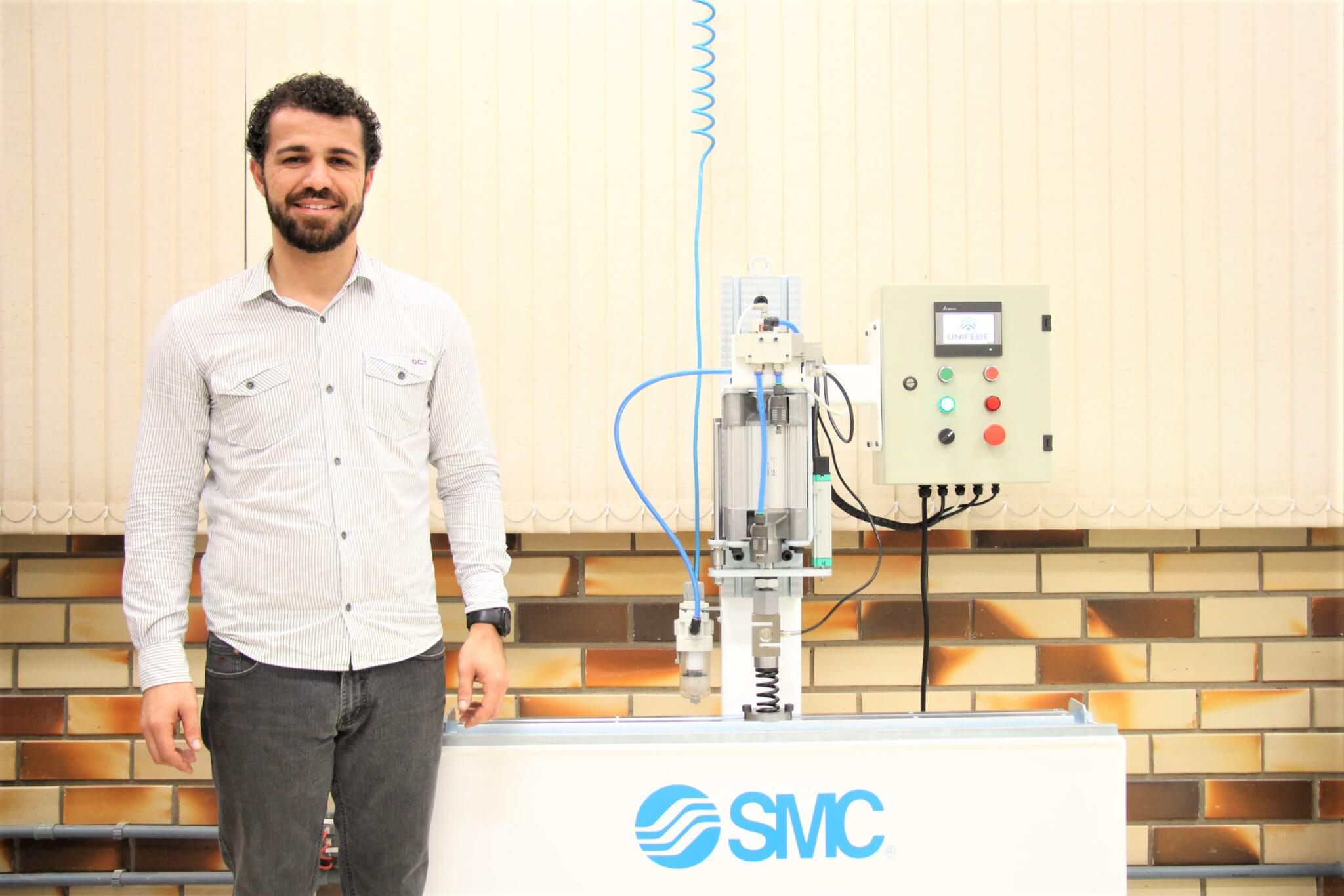 Aluno de Engenharia Mecânica cria projeto de cooperação com a indústria local