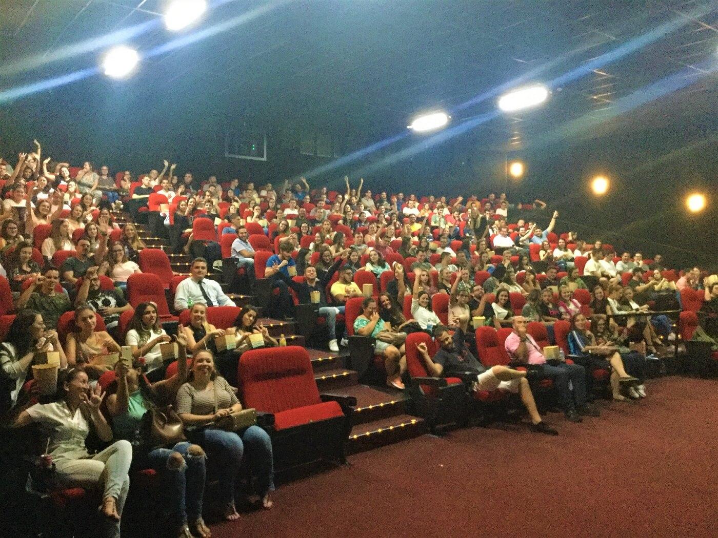 Alunos da UNIFEBE lotam o Cine Gracher Havan em evento do curso de Direito