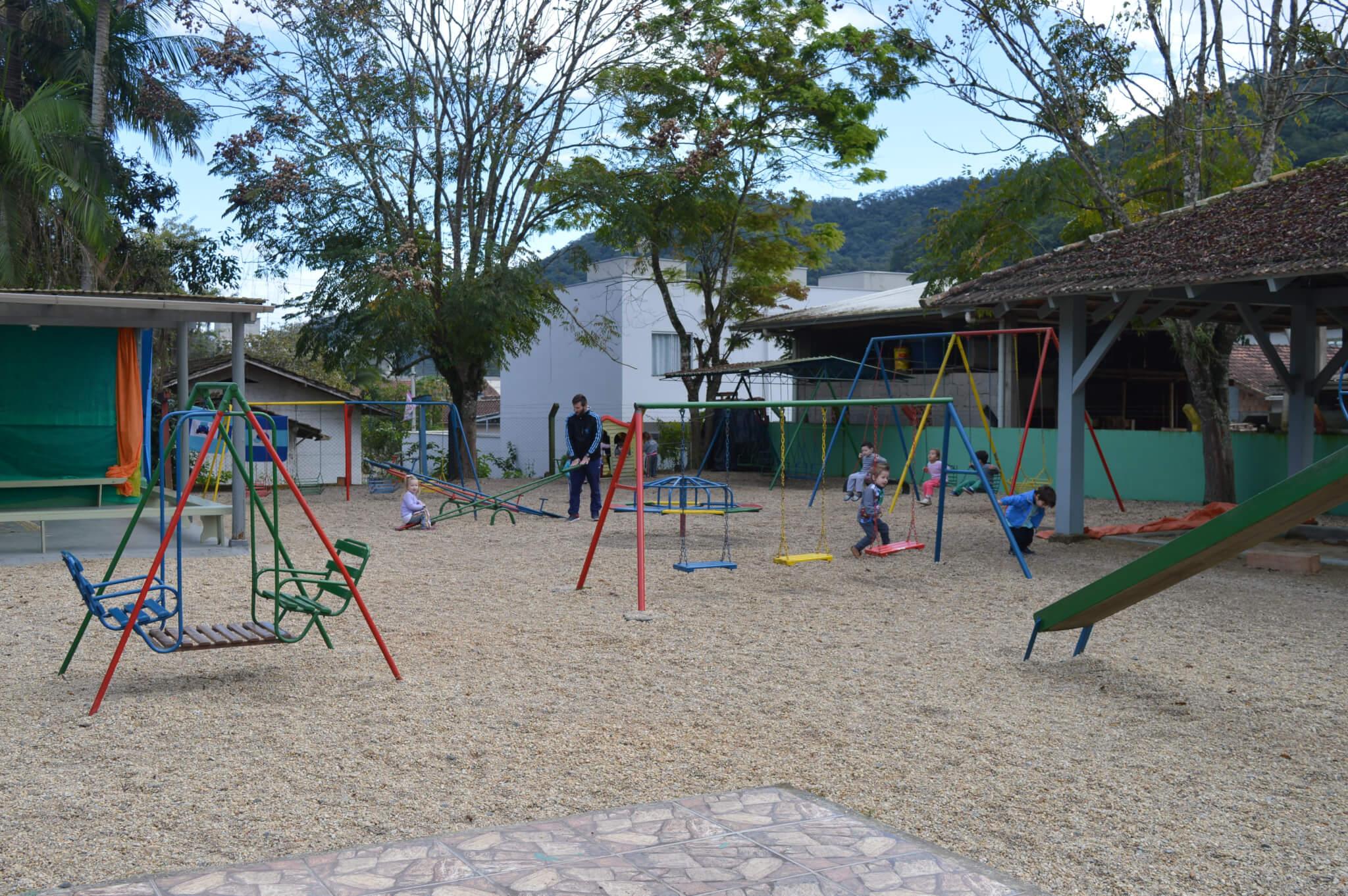Alunos de Arquitetura e Urbanismo desenvolvem melhorias em escolas de Brusque