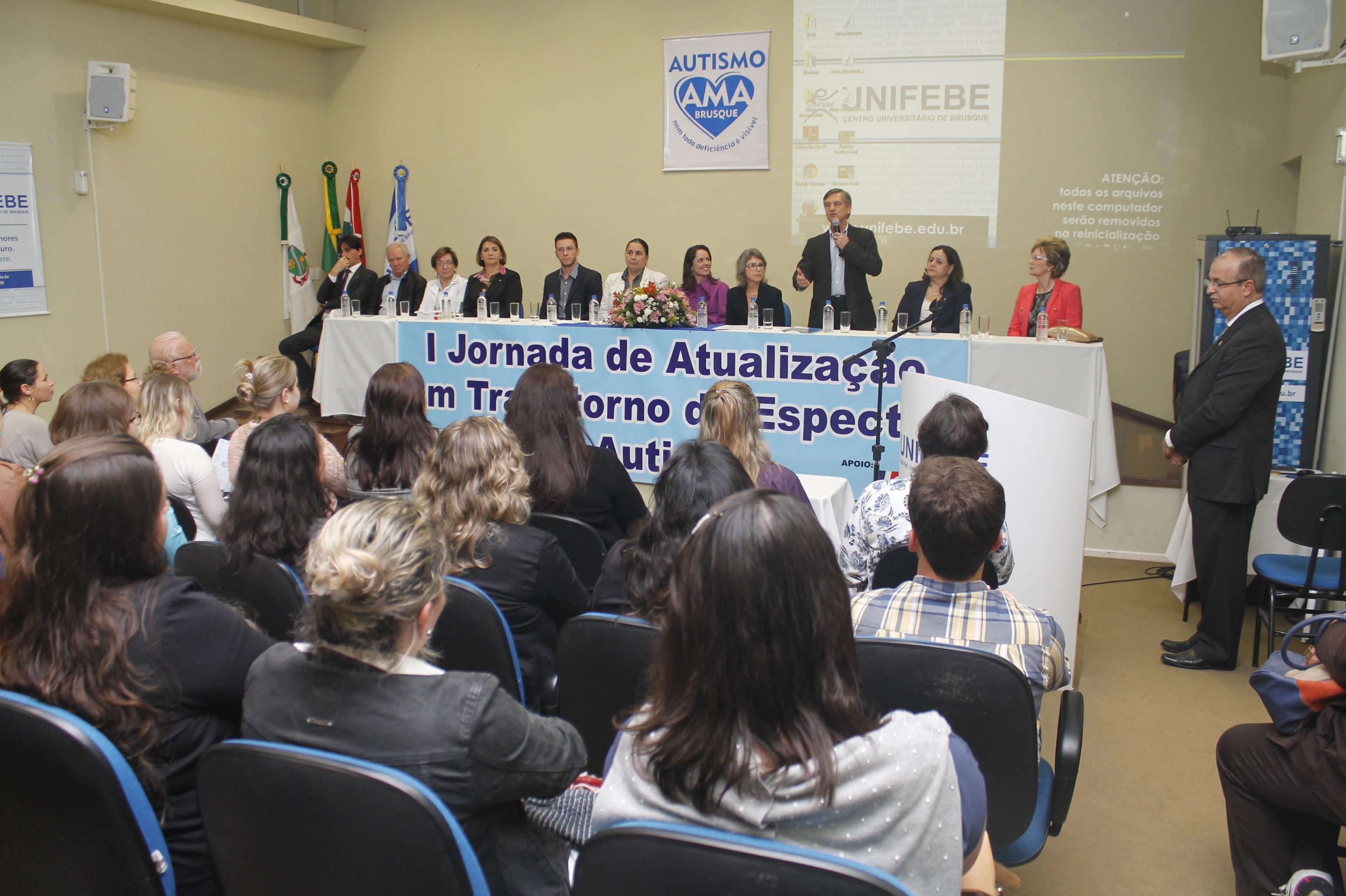 I Jornada de Atualização em Transtorno do Espectro do Autismo lota auditório da UNIFEBE