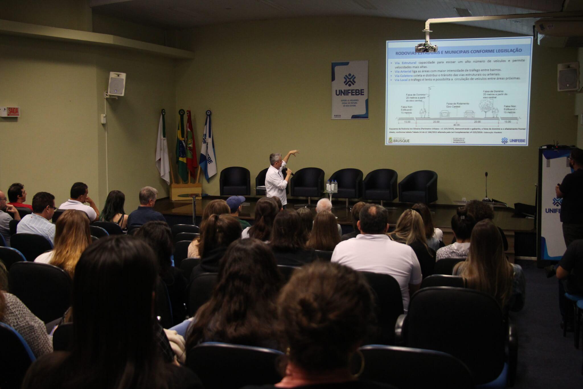 Audiência Pública apresenta dados coletados para o Plano de Mobilidade Urbana de Brusque