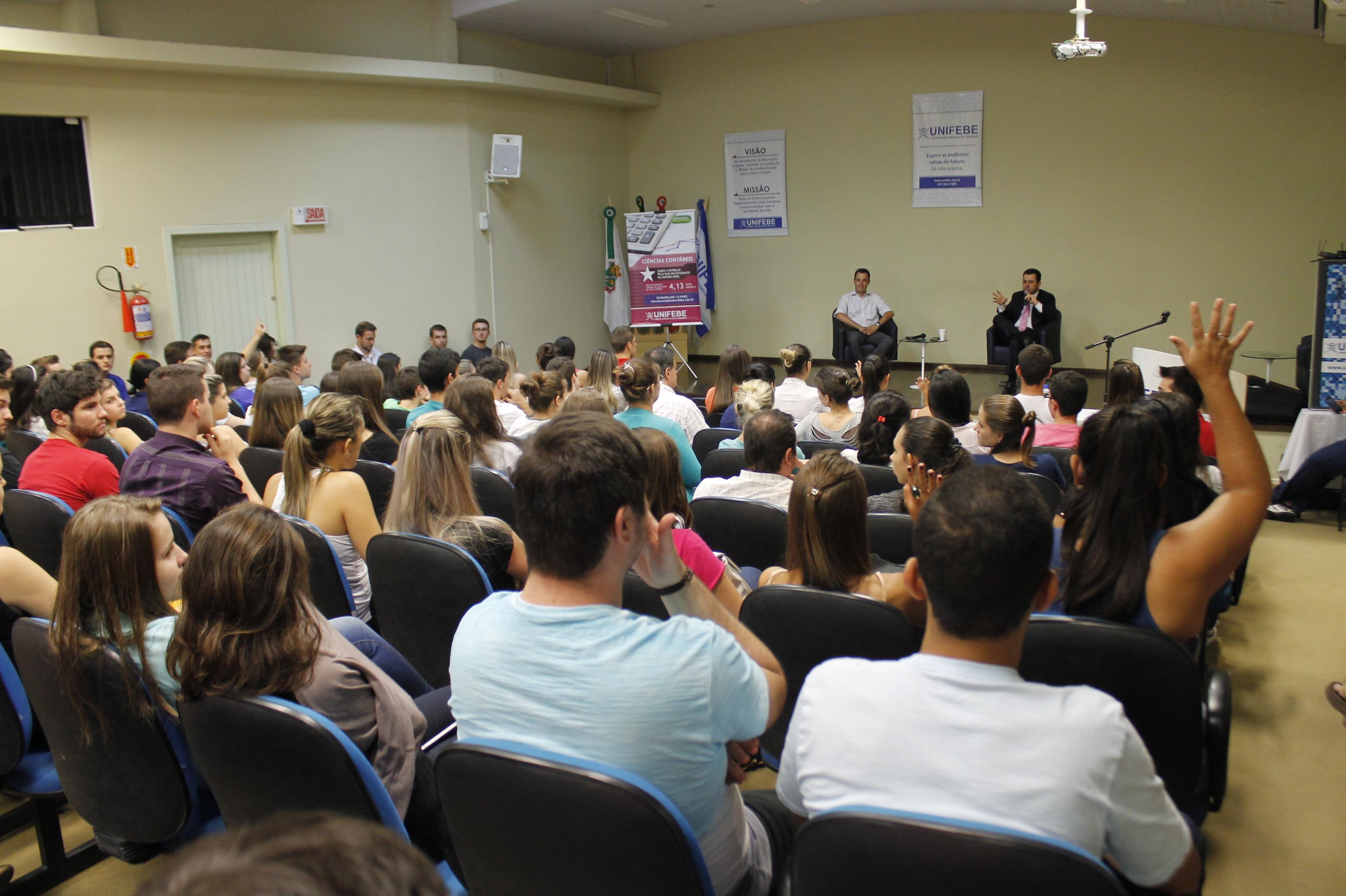 Experiência profissional é destaque em aulas de apresentação de cursos da UNIFEBE