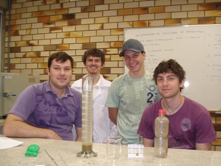 Acadêmicos de Engenharia de Produção realizam aula prática