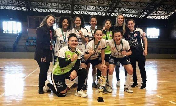 Barateiro Futsal fica em terceiro colocado nos Jogos Universitários Catarinenses