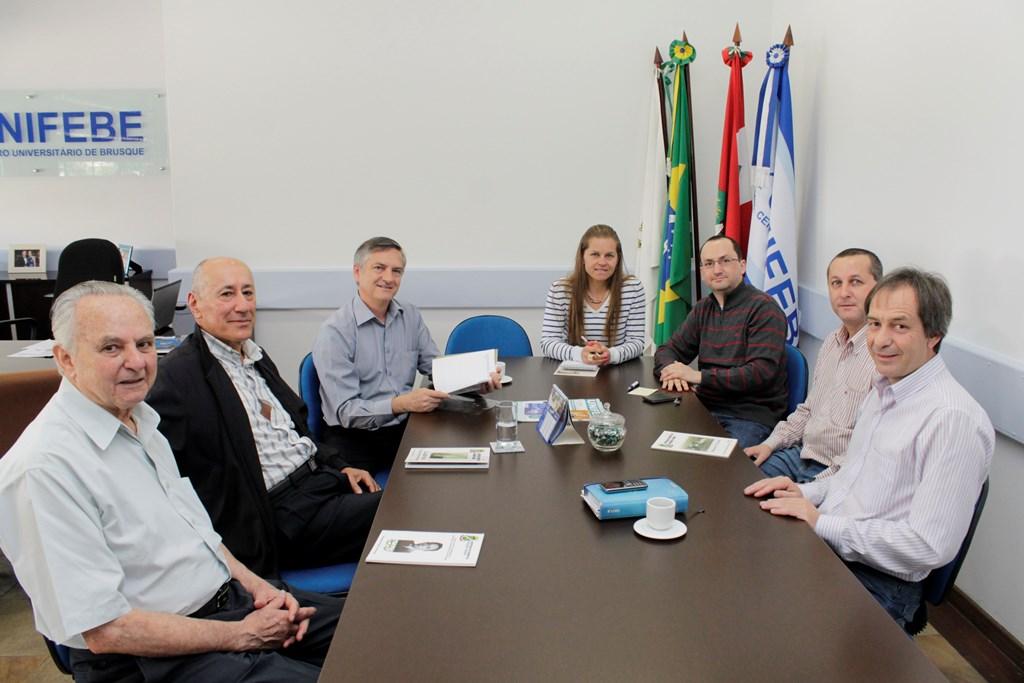 Casa de Brusque e UNIFEBE firmam parcerias