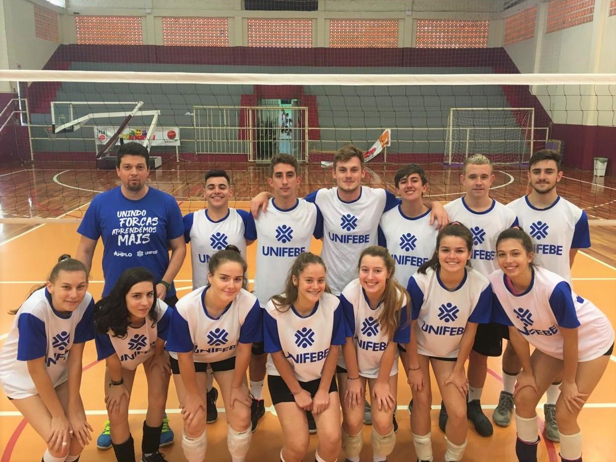 Colégio Amplo/UNIFEBE é campeão no voleibol masculino dos Jogos Escolares
