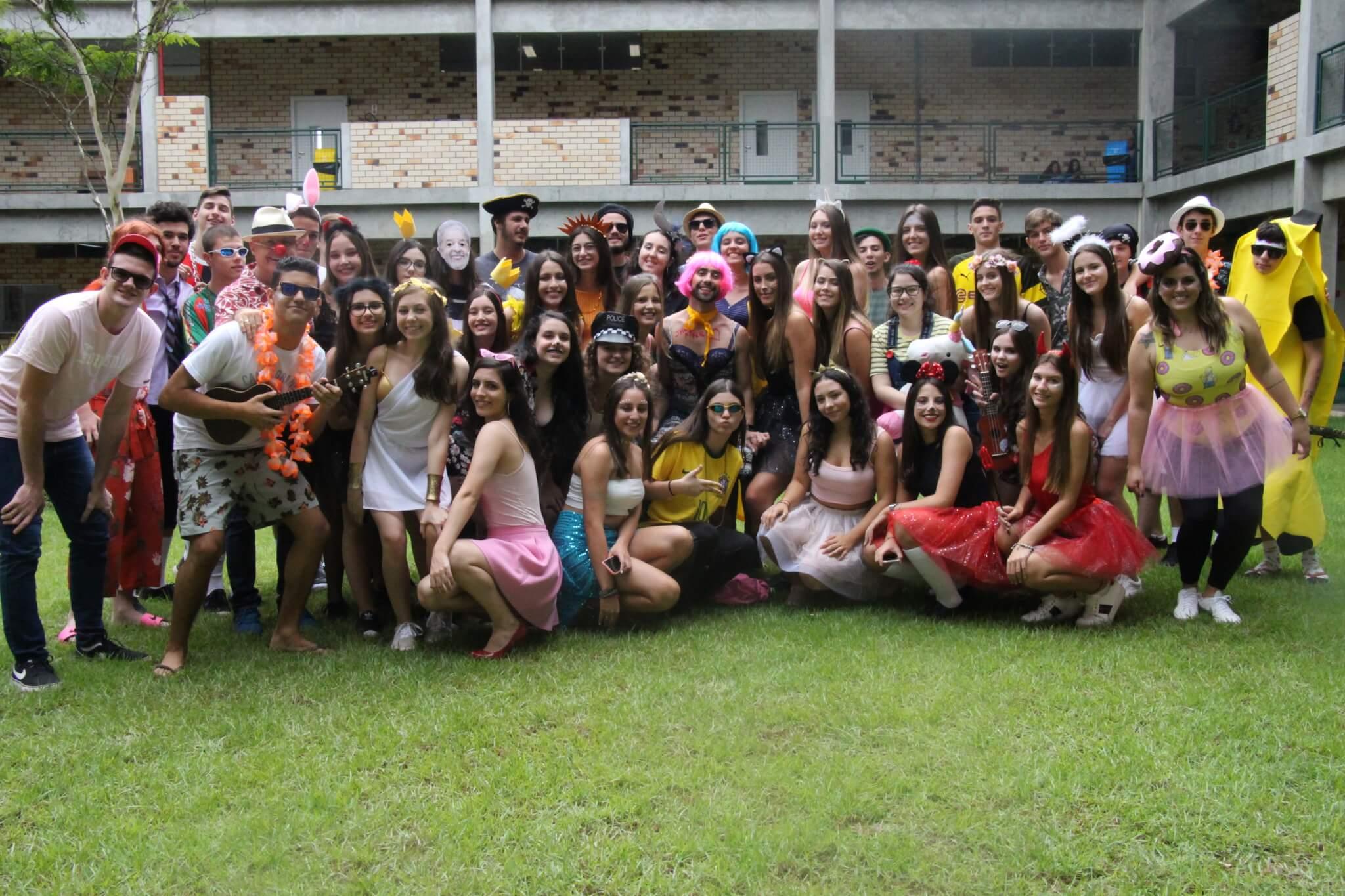 Colégio Universitário de Brusque promove atividade de recreação no Carnaval