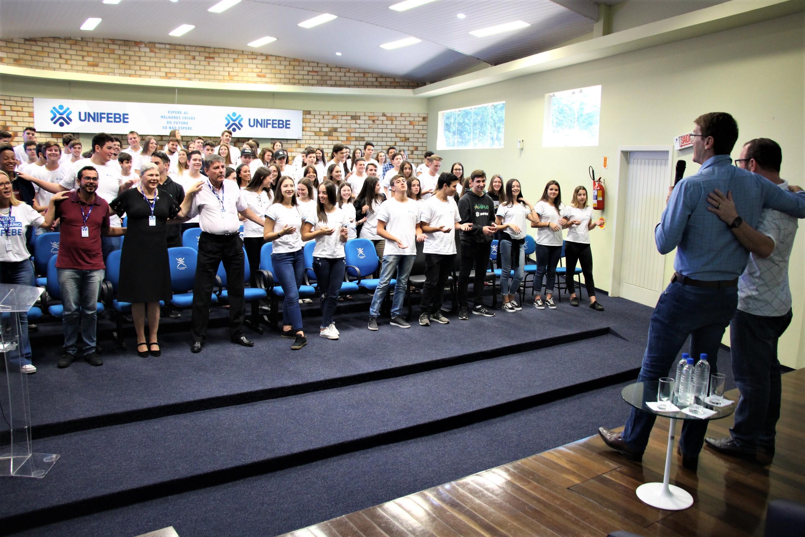 Colégio Universitário promove Celebração Ecumênica de Páscoa