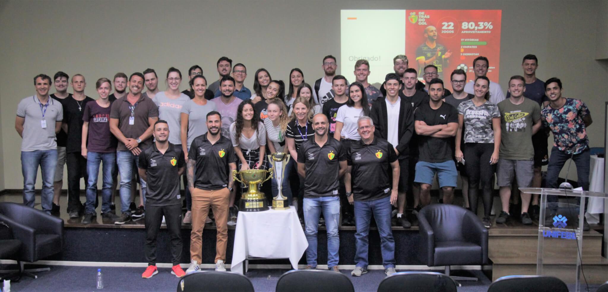 Comissão Técnica do Brusque FC fala sobre trajetória profissional aos acadêmicos de Educação Física
