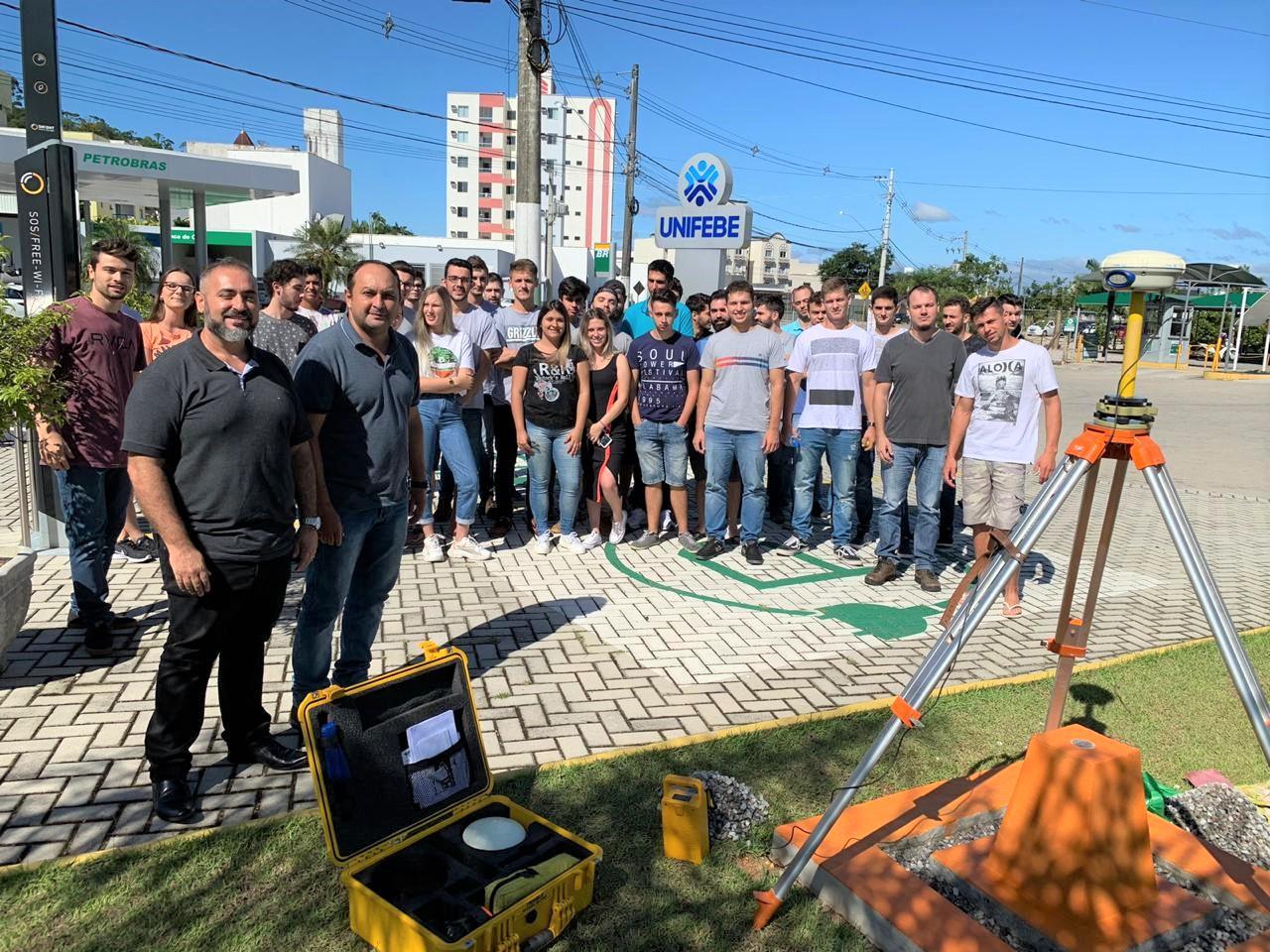 Curso de Engenharia Civil avança mais uma etapa na concretização do Marco Geodésico de Brusque