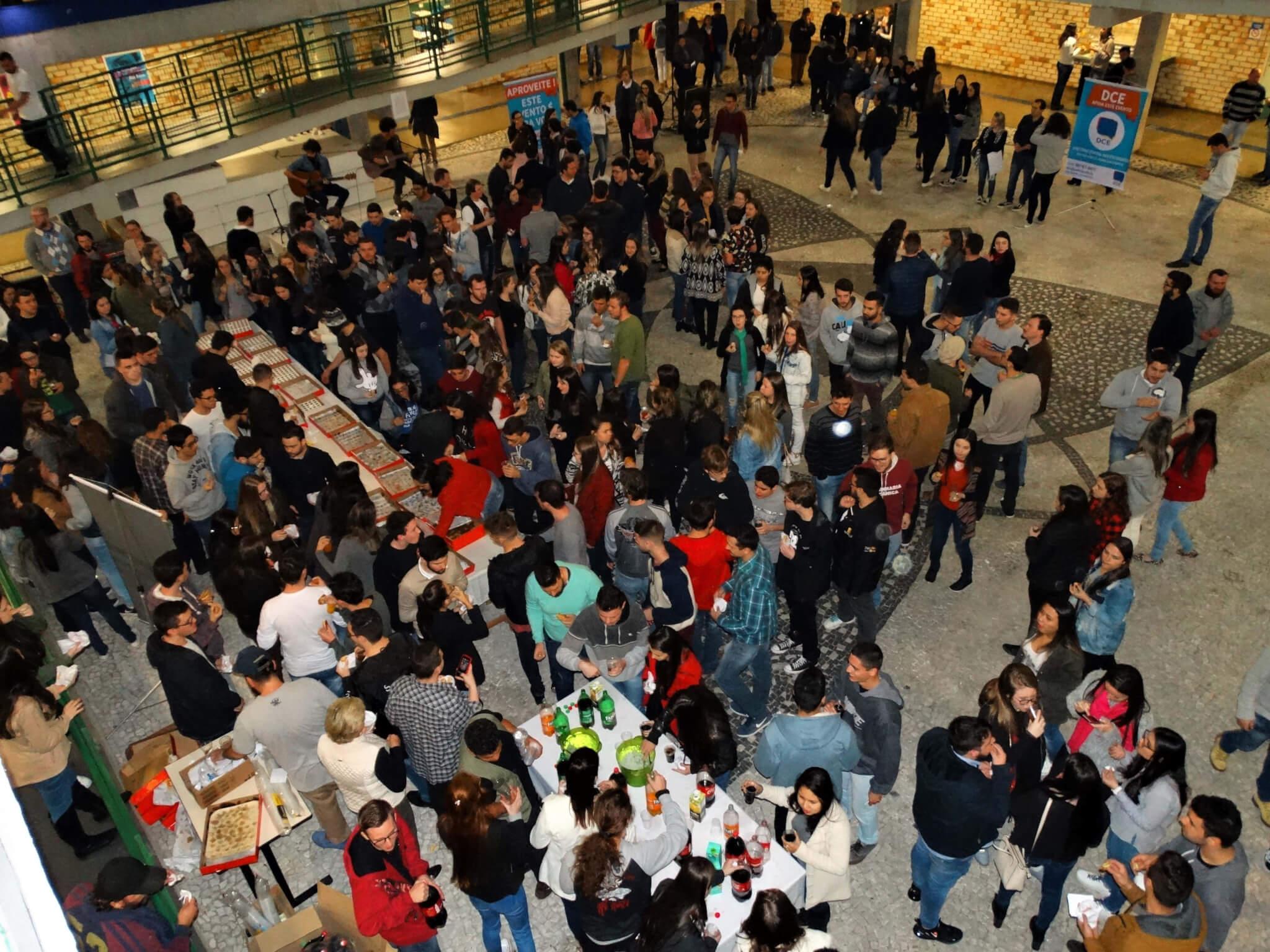 DCE realiza Intervalo Cultural para comemorar o Dia do Estudante