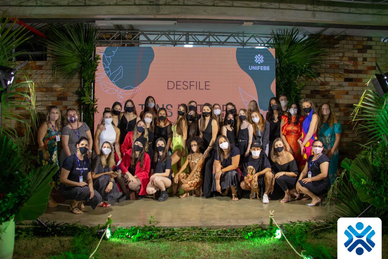 Desfile de Design de Moda – Tons da Terra