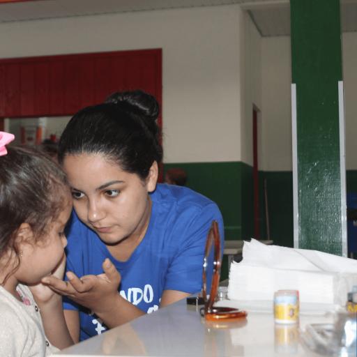 Dia da família na escola - Aluna de Publicidade - Janaína (25) copiar