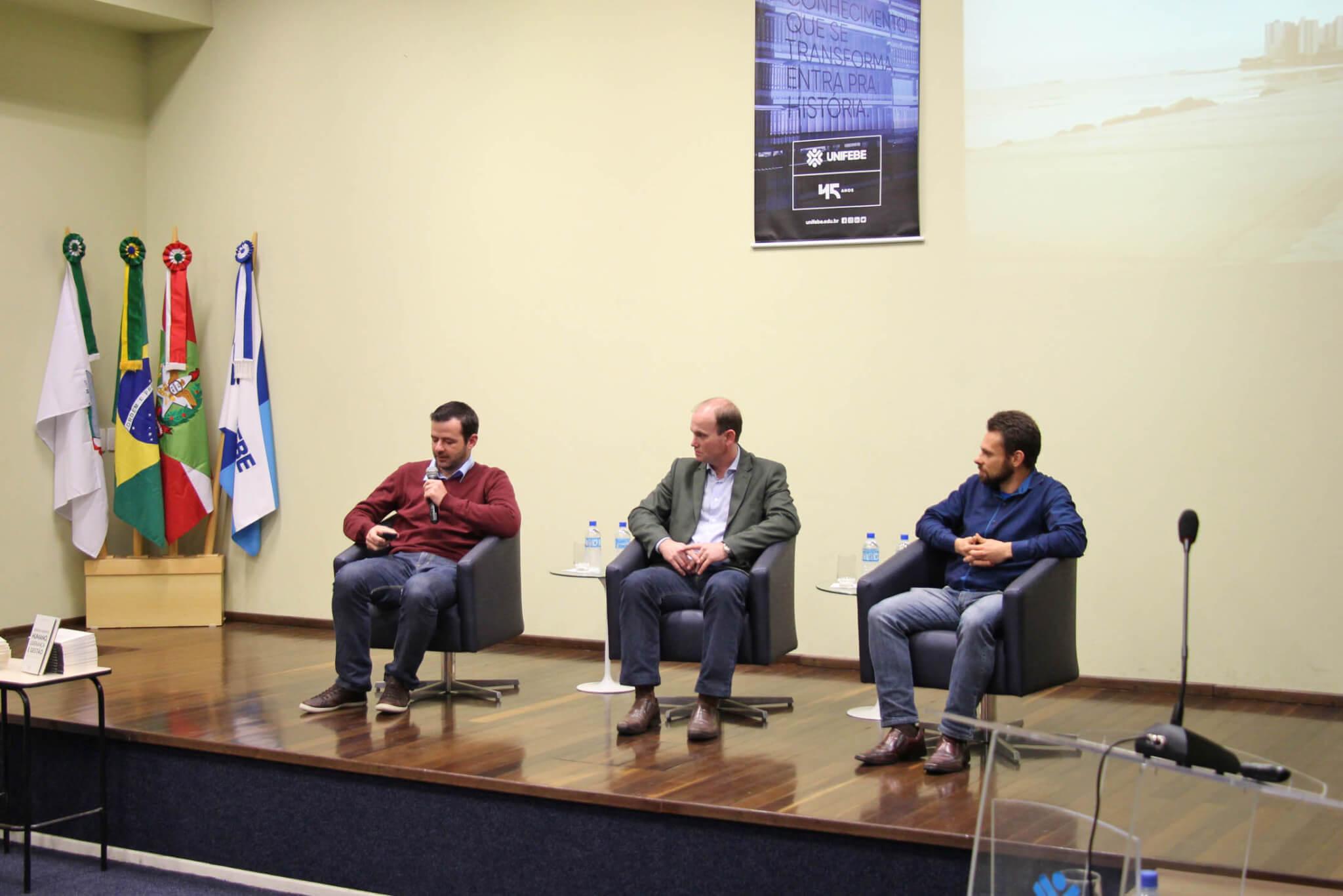 "Documentário sobre ""Antropologia"" promove debate na UNIFEBE"