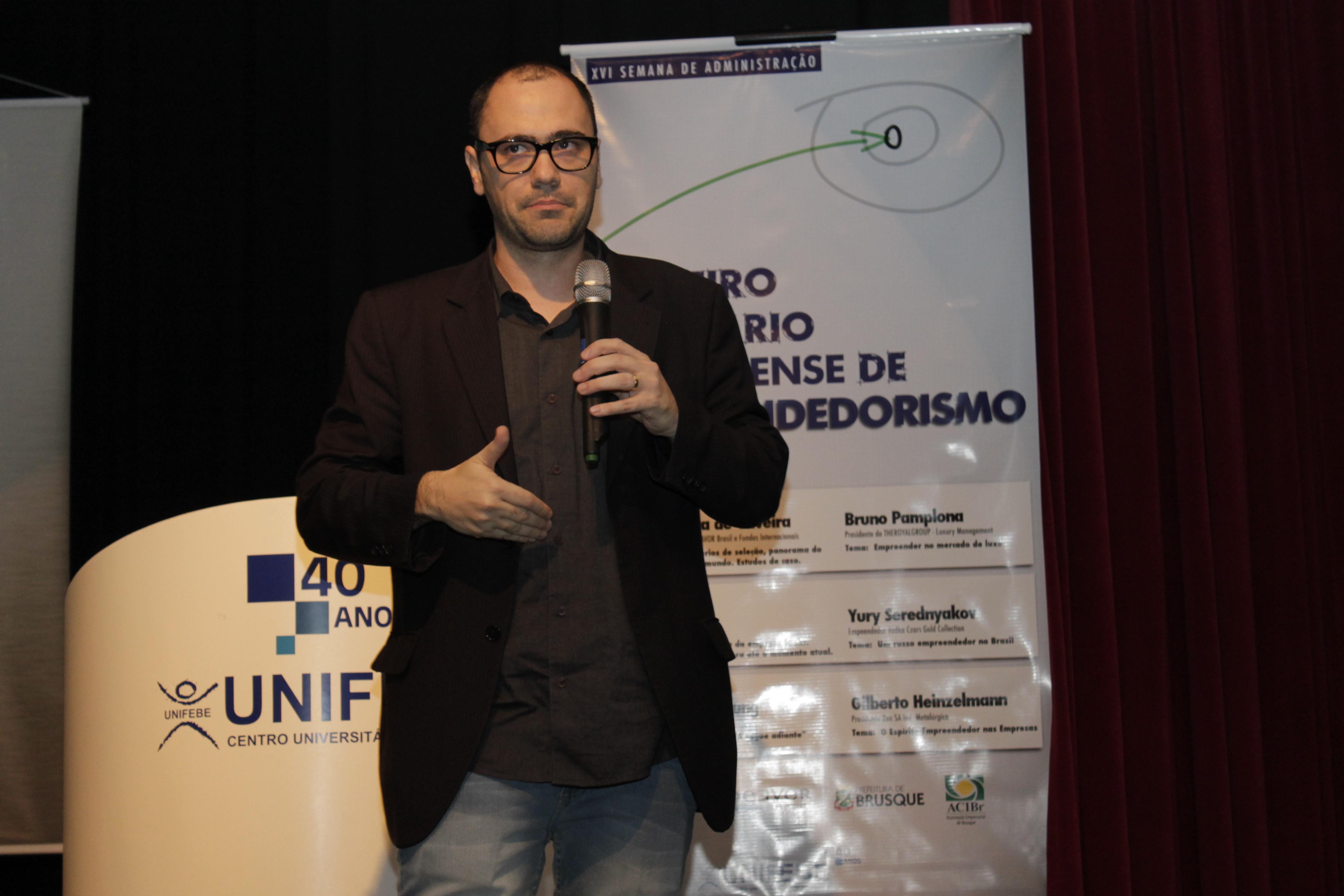 Empreendedorismo na indústria e mídias sociais são temas do 2º dia do Seminário