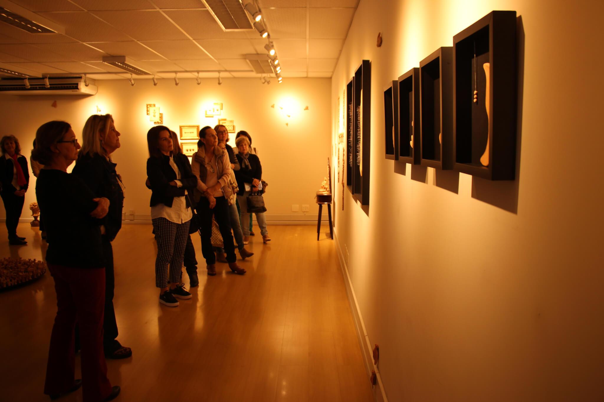 Estudantes do Vida Ativa visitam exposições de arte