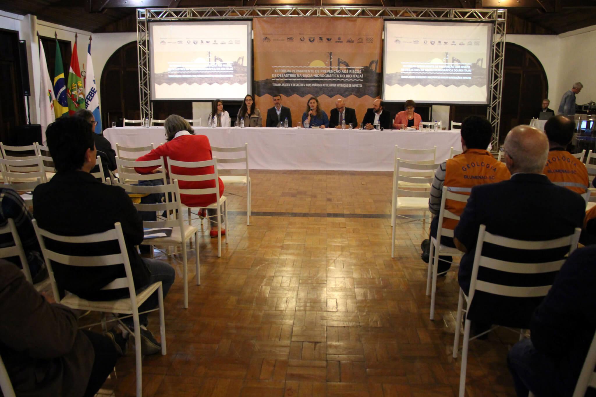 Fórum debate prevenção à Bacia Hidrográfica do Rio Itajaí