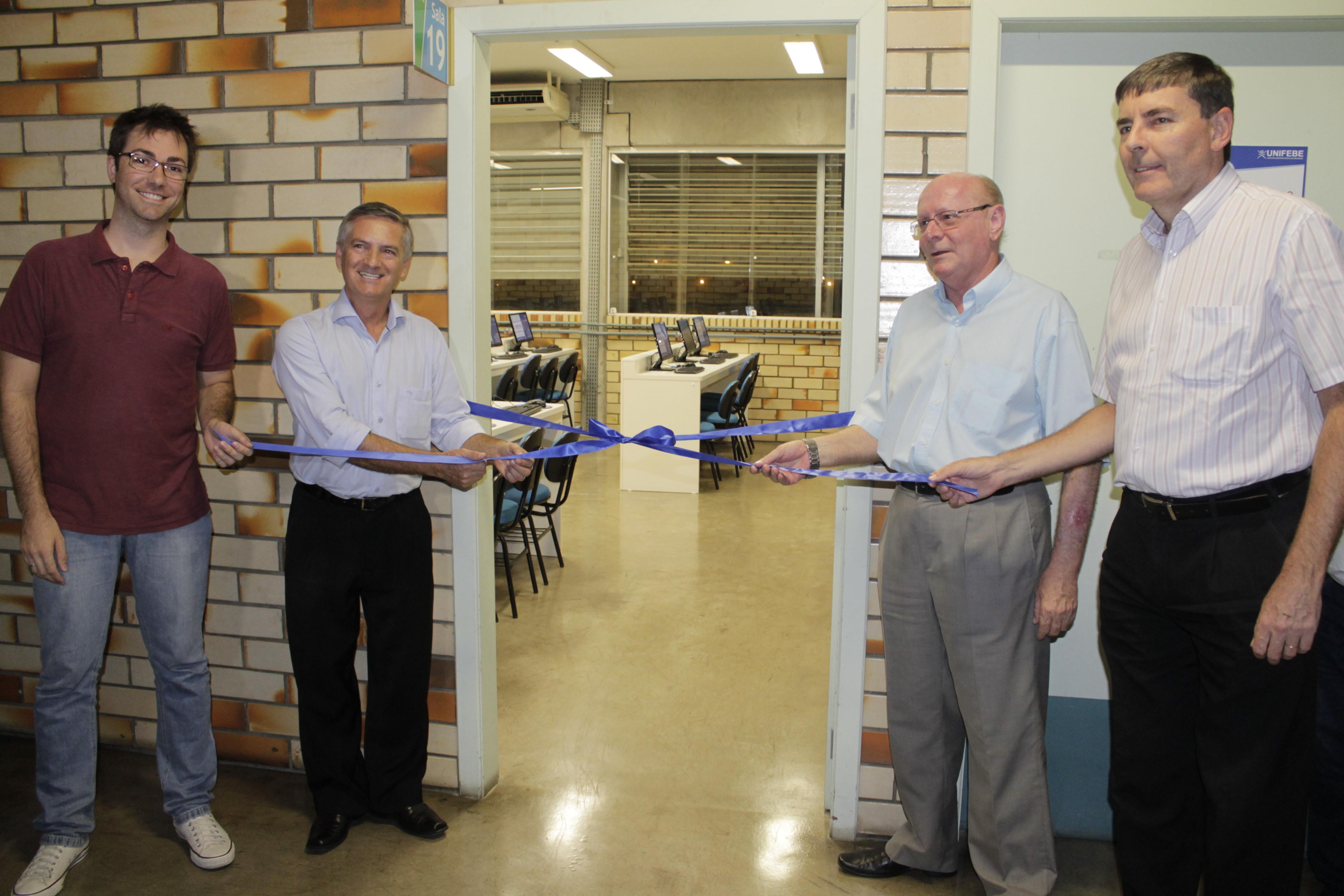 UNIFEBE inaugura sexto laboratório de informática