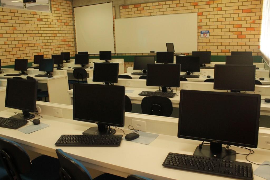 5º Laboratório de informática é inaugurado na UNIFEBE