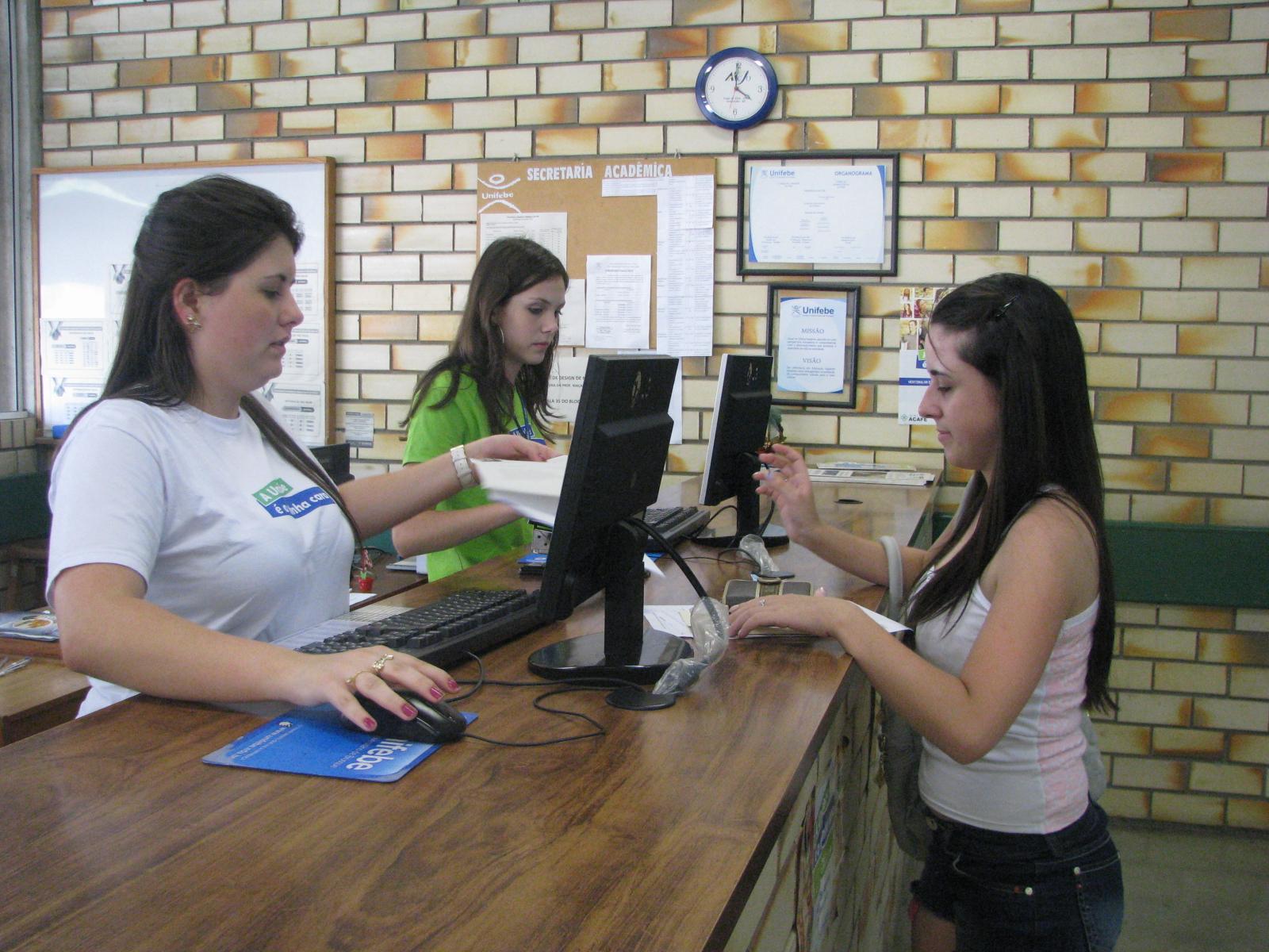 Unifebe realiza matrícula de novos alunos