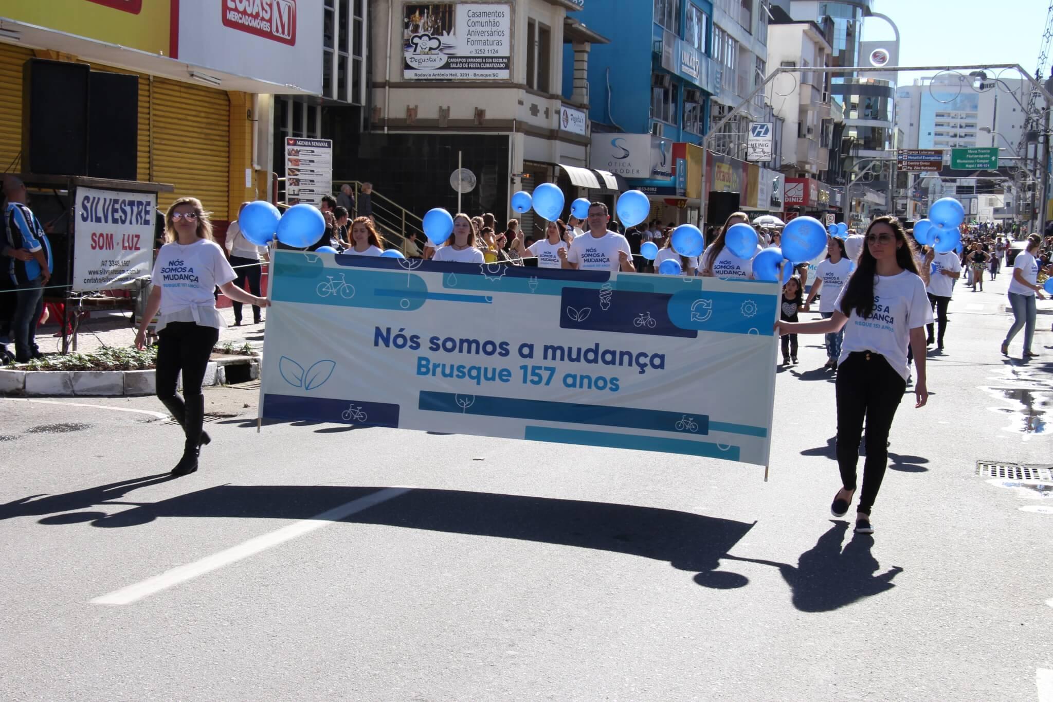 Participe com a UNIFEBE do desfile de aniversário de Brusque