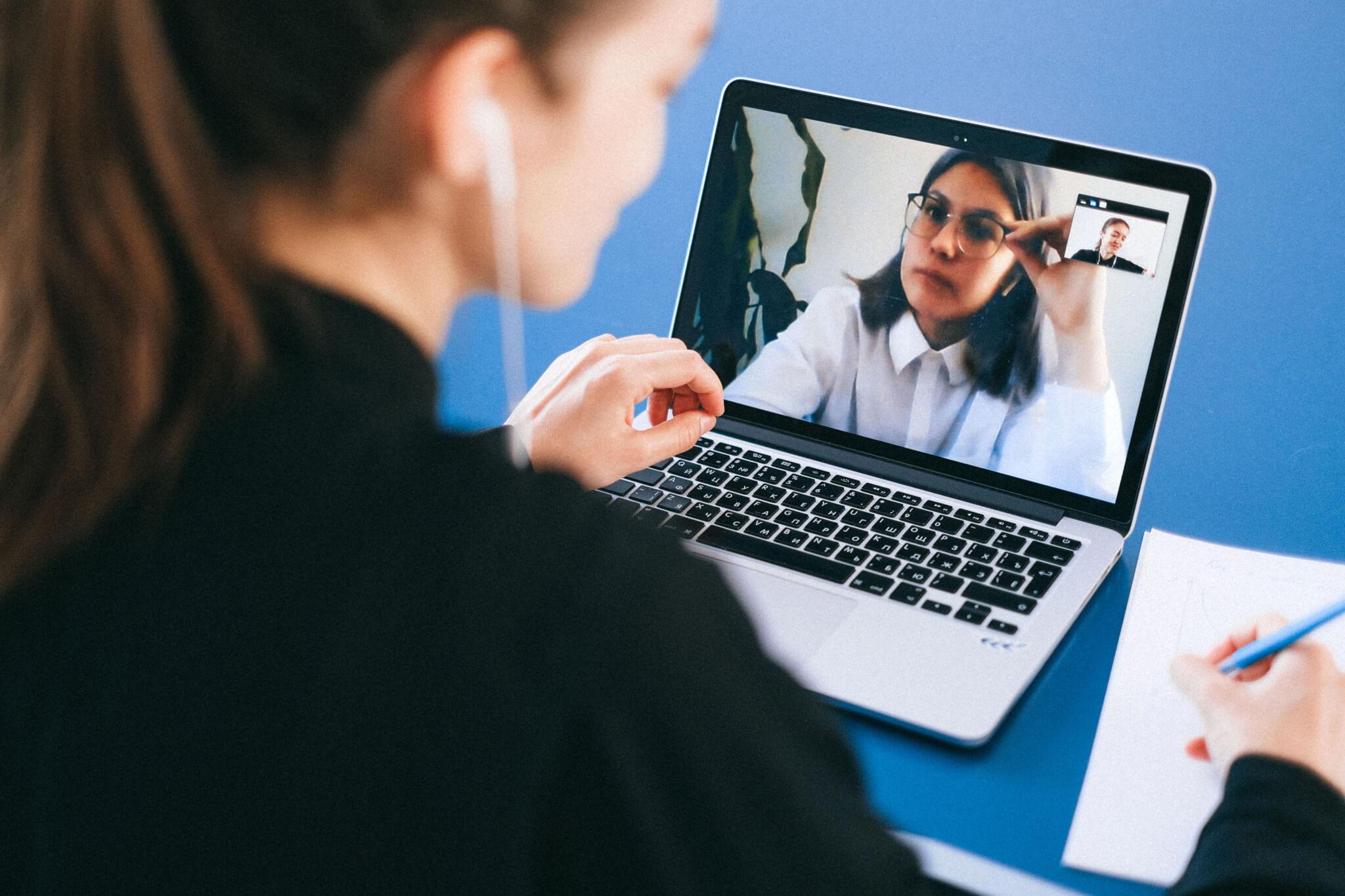 Curso de Psicologia da UNIFEBE realizará encontros virtuais para promoção da saúde mental na universidade