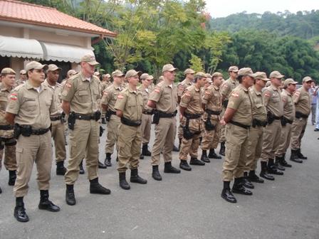 Policiais que estudam na Unifebe são homenageados