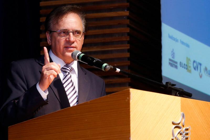 Reitor da Universidade Positivo palestrará na UNIFEBE