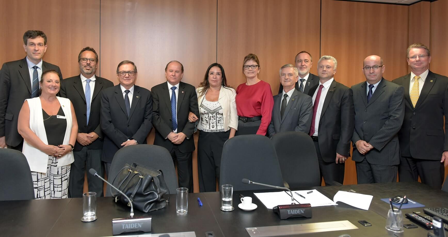 Reitor participa de reunião com o Ministro da Educação
