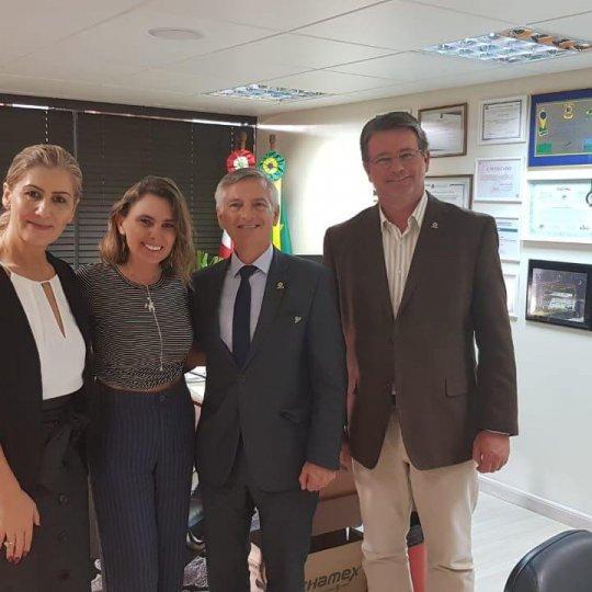 Reitora da Unesc, deputada Paulinha, presidente da Acafe e Paulo Ivo Koehntopp - secretário executivo da Acafe