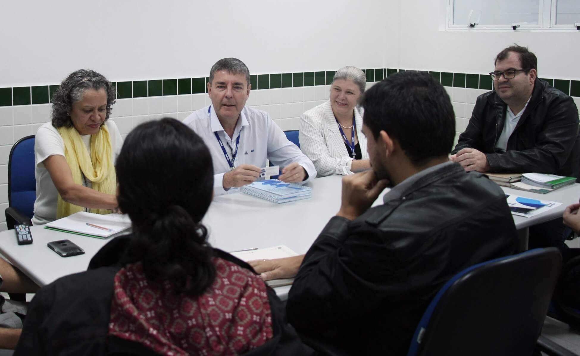 Reitora e Vice-reitor da UNIFEBE visitam escolas da região