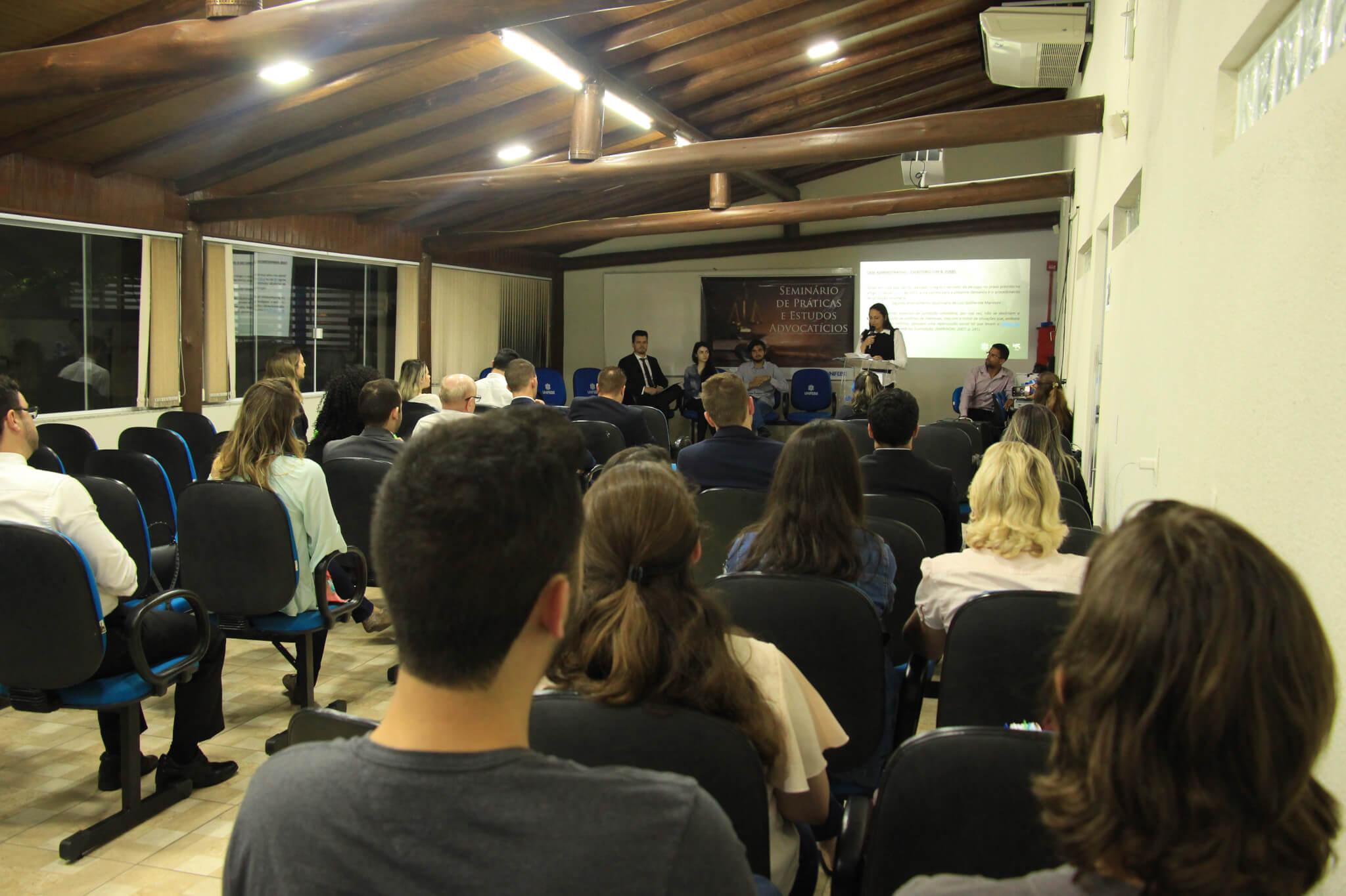 Resolução de casos reais são apresentados no 8º Seminário de Práticas e Estudos Advocatícios