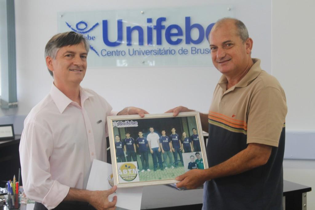 Associação de Tênis de Mesa faz agradecimento à UNIFEBE