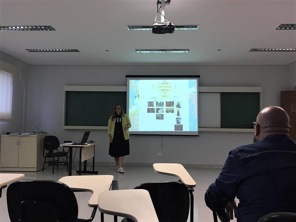 Tese de doutorado de professora é aprovada em Curitiba