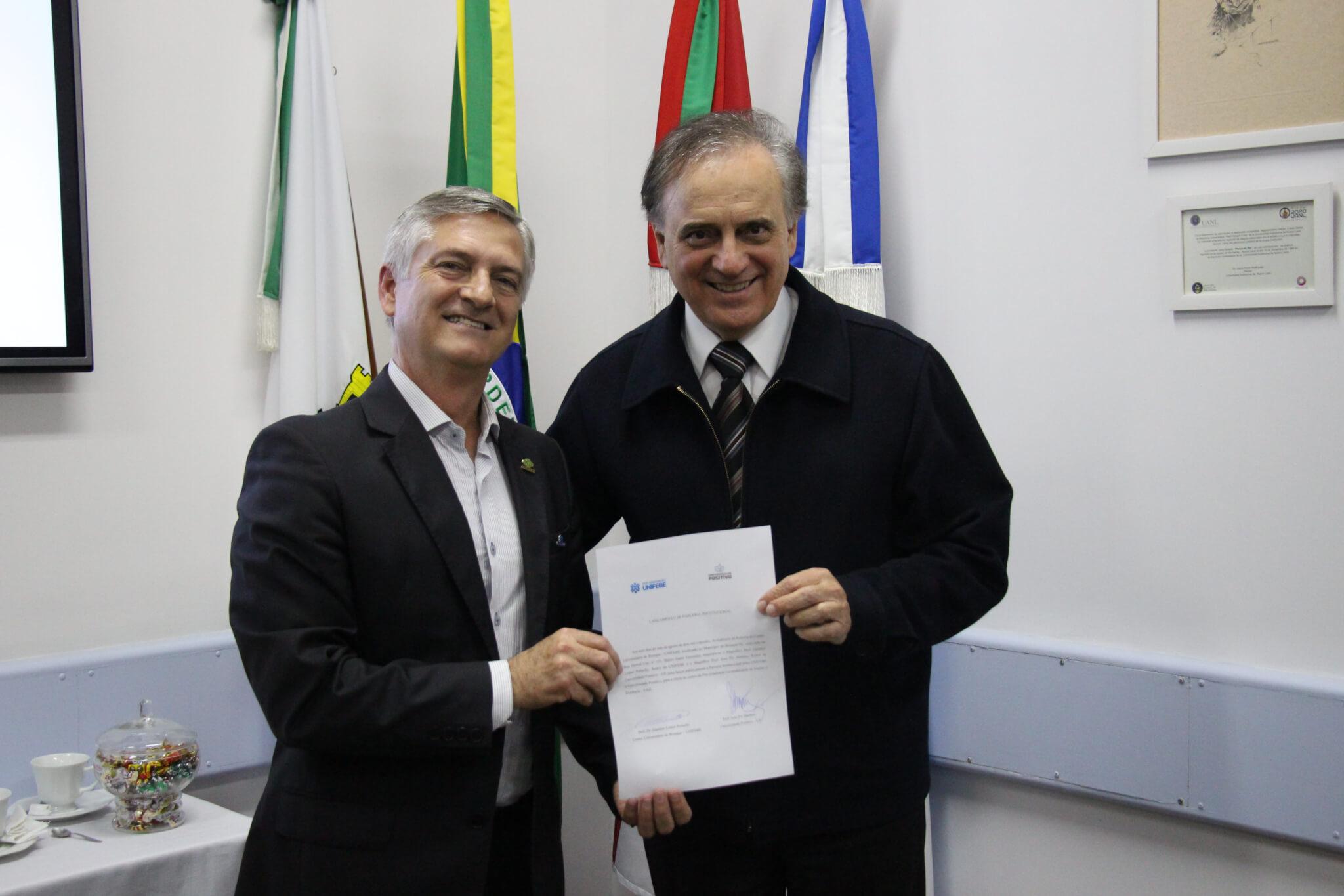UNIFEBE e Universidade Positivo firmam parceria para cursos a distância